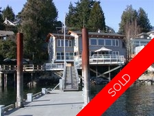 Deep Cove House for sale:  2 bedroom 3,300 sq.ft. (Listed 2005-10-14)